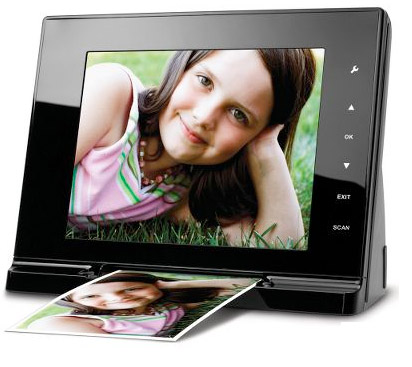 Picture scanning digital frame